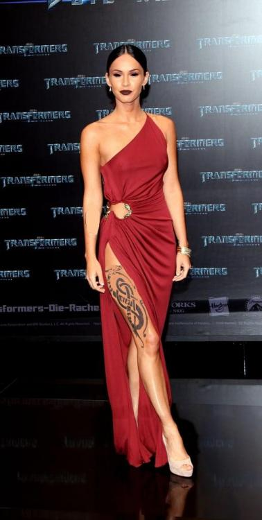 Megan-Fox-Roberto-Cavalli-2009-Transformers-Revenge-Fallen-Germany-Premiere.jpg
